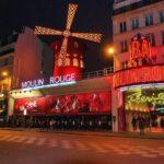 Quelles sont les offres spéciales des cabarets de Paris pour Noël ?