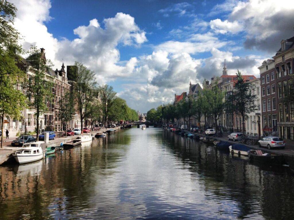 Choisir Amsterdam pour commencer sa croisière