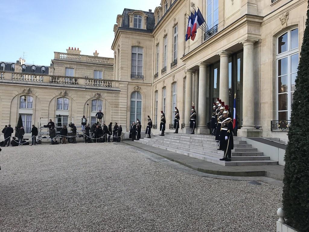 Élysée Palace - Constitution
