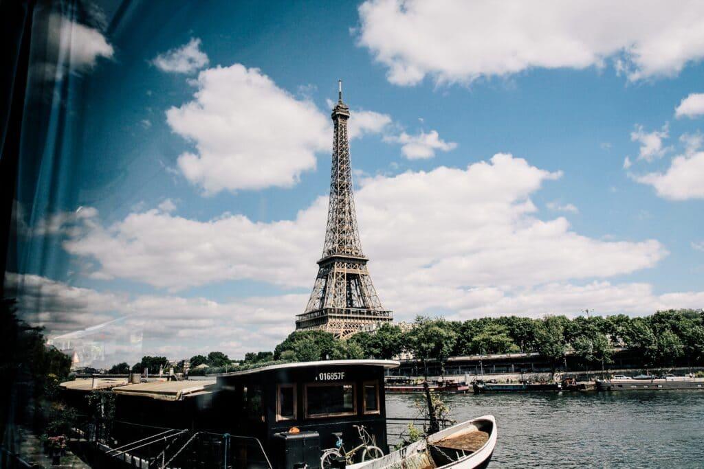 Voir la Tour Eiffel