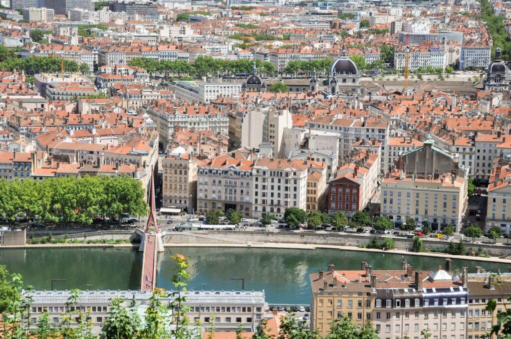 Vieux Lyon - Place d'Ainay