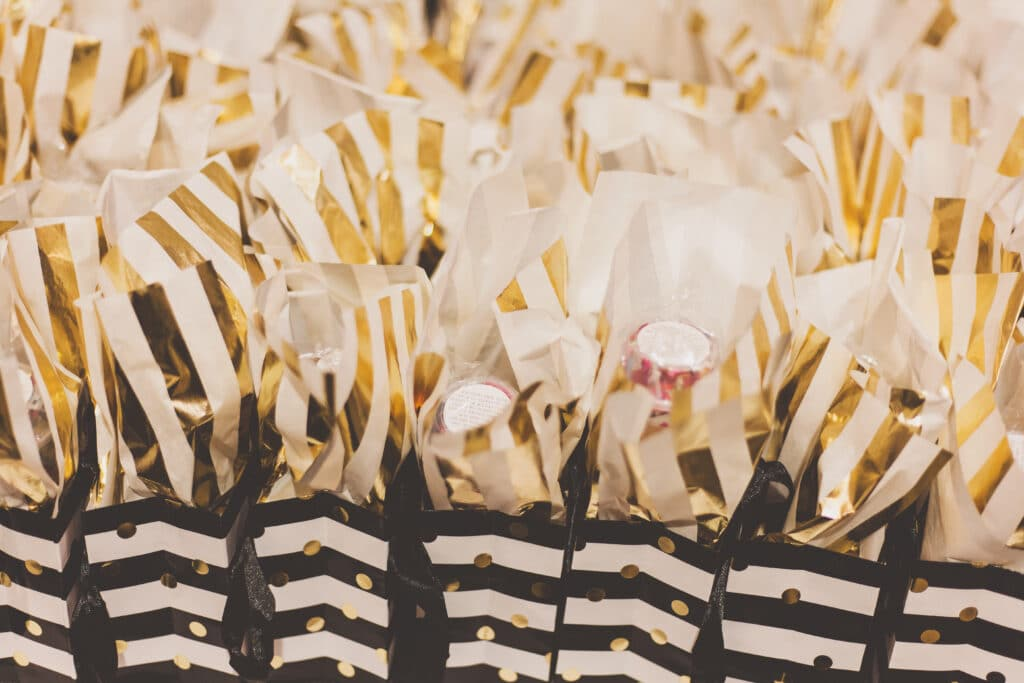 Offrir des cadeaux personnalisés aux invités