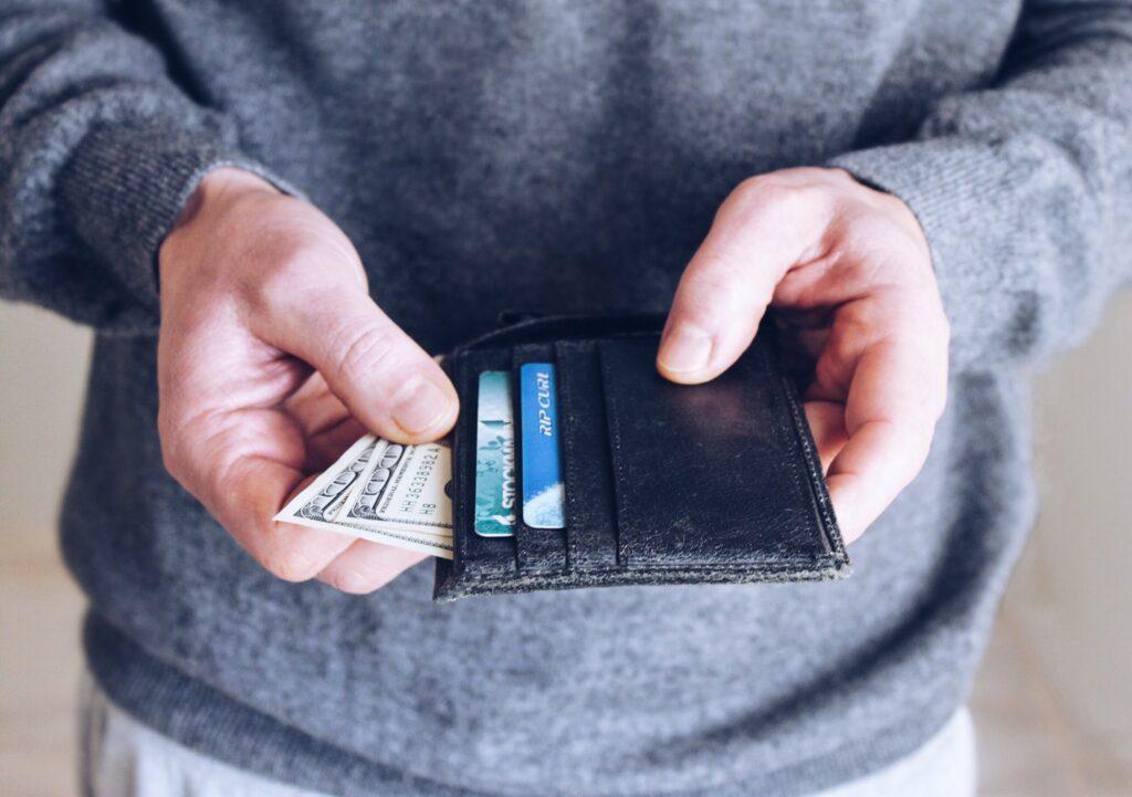 Échanger l'argent pour la monnaie locale