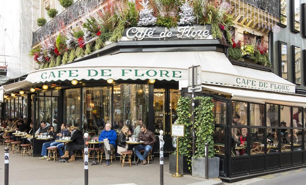 Café de Flore - Louvre Museum