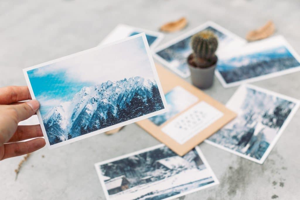 De l'envoi de cartes postales basiques aux cartes personnalisées ?