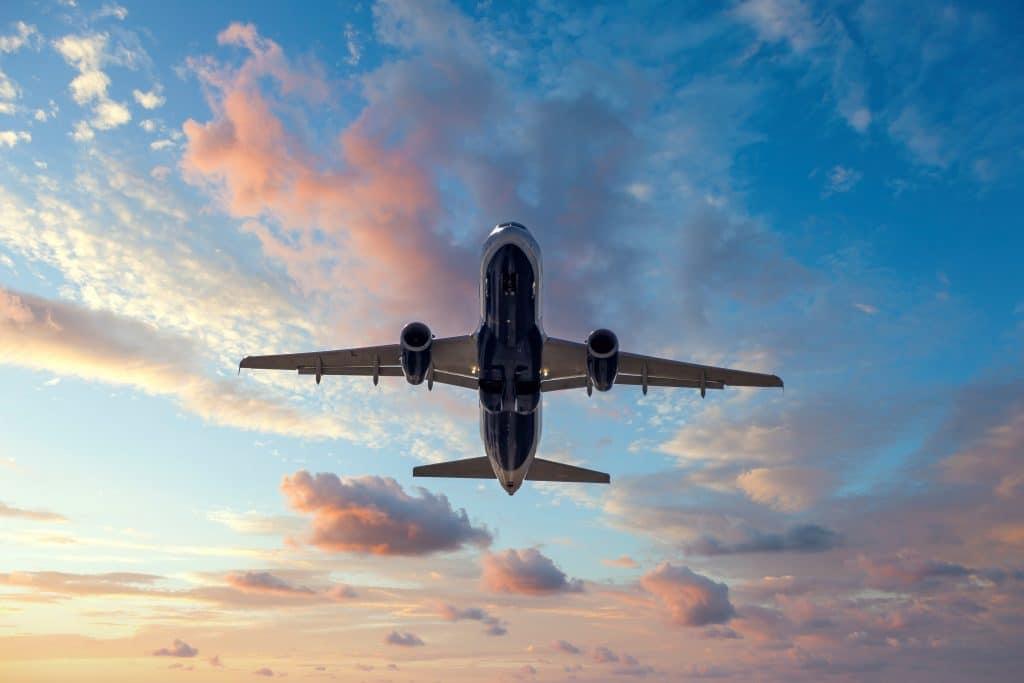 Quels sont les principaux vols vers Santorin ?