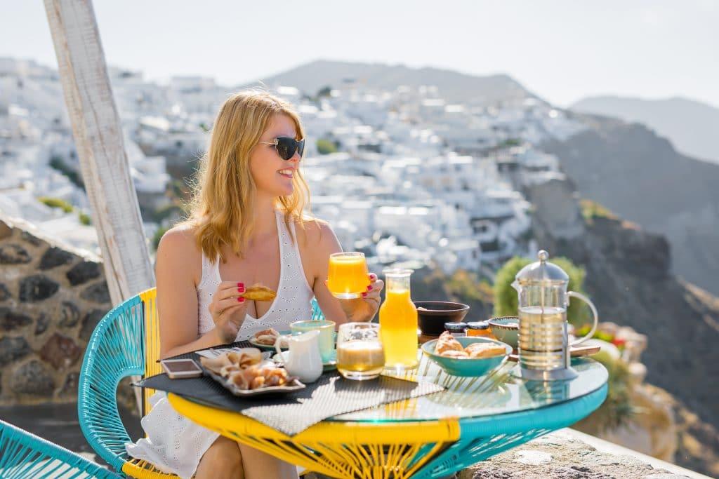 Où prendre le petit-déjeuner à Santorin ?